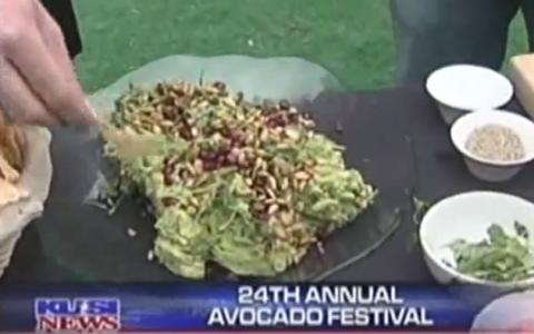Recipe: California Avocado Guacamole with Pomegranate and Pumpkin Seeds